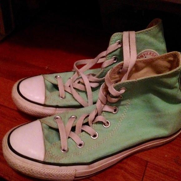 Converse Shoes - Sea Foam Green High Top Converse Size 8 01f3d505b